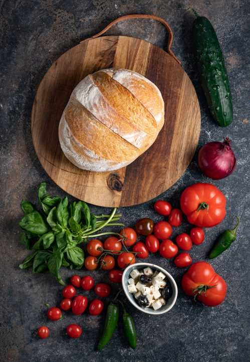 Paradižnikova solata s kruhom